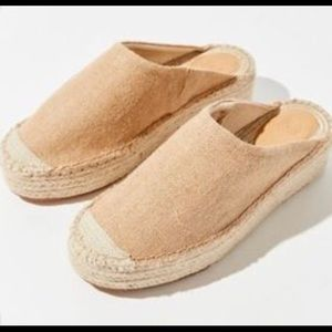 NWT urban outfitters laura espadrille mules• sz 8